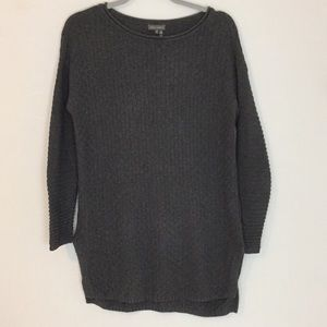 {VINCE CAMUTO} OVERSIZED SWEATER TUNIC